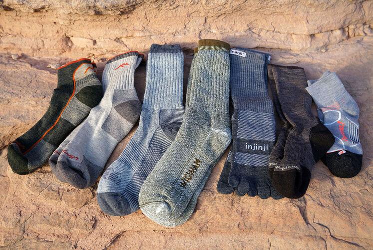 Tipes of hiking socks. How to chose hiking socks.